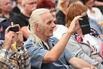 Vladimír Mišík bavil na náměstí stovky lidí všech generací.