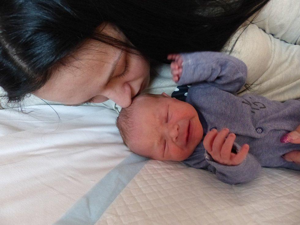 Matyáš Braunstein se narodil 3. února 2019, vážil 2830 g a měřil 48 cm. V Kounicích ho přivítali maminka Iveta a tatínek Filip.