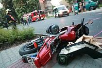 Nehoda motocyklisty v Kolíně