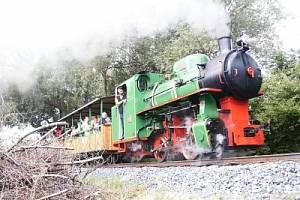 Parní lokomotiva je chloubou Řepařské drážky.