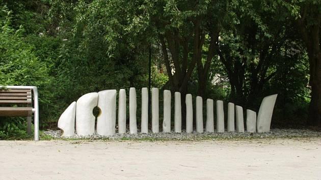 Takovýto kolostav navrhují obyvatelé vytvořit ve Štolmíři.