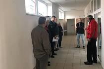Kolaudace nových školních dílen v areálu bývalého cukrovaru v Cerhenicích.