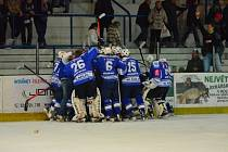 Z utkání semifinále play off II. ligy; Kolín - Tábor 4:3 pp. Kozlové postoupili do baráže o první ligu.