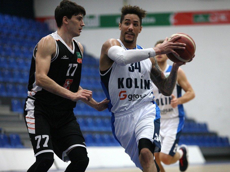 Z utkání 9. kola NBL BC Kolín - Hradec Králové (95:93).