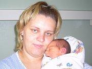 Tadeáš Hendrych se narodil 15. října v Kolíně. Vážil 3360 gramů a měřil 52 centimetrů. Doma ve Vrbčanech ho přivítá bráška Radek a maminka Petra.