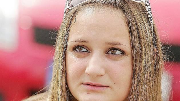 Monika Holubová, 17 let, Kolín: Určitě by měli dostat trest. Spíš bych jim ale sbírala body, řidičské průkazy ne.