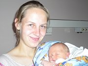Tobiáš Pospíšil se narodil 14. října v Kolíně. Vážil 2850 gramů a měřil 47 centimetrů. Doma v Záboří nad Labem ho přivítá bráška Šimon, maminka Petra a tatínek Radek.