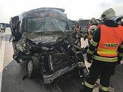 Tragická nehoda zastavila provoz na Pražském okruhu u Jesenice