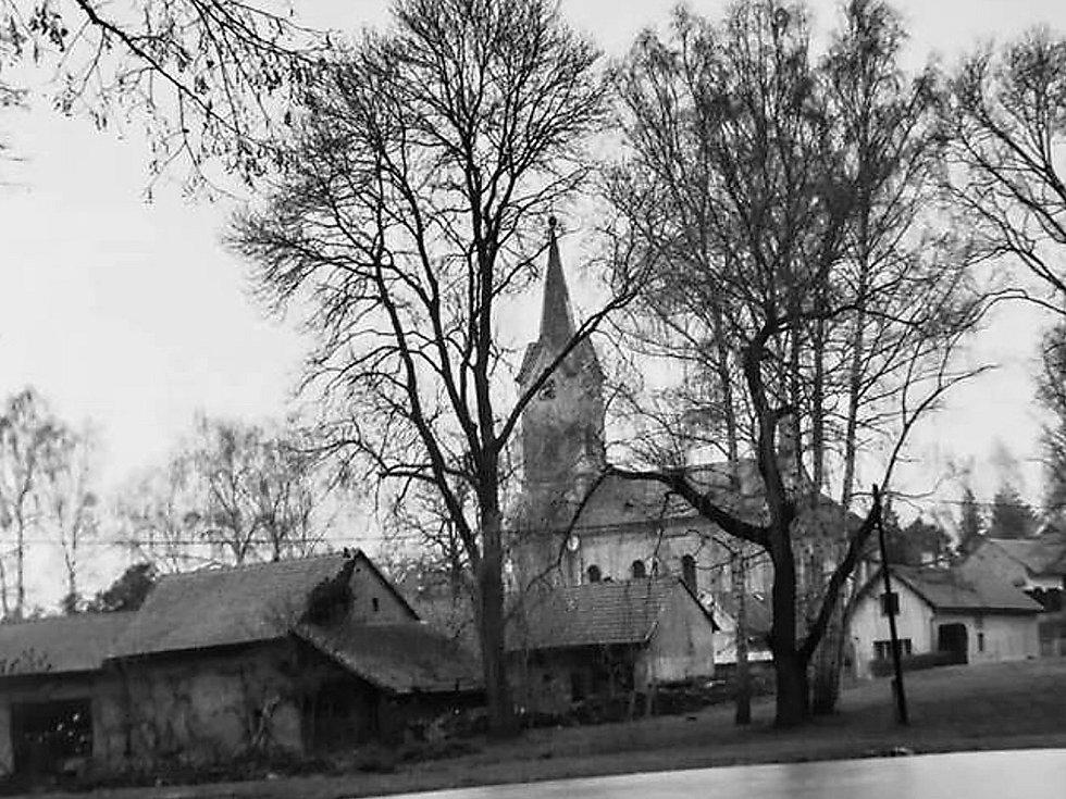 Gotický kostel sv. Matouše v Maloticích byl od prosince roku 2013 vyhlášen kulturní památkou.