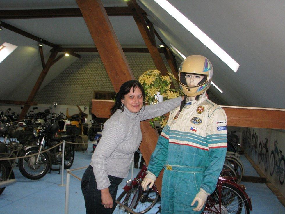 Ze slavnostního otevírání Muzea veteránů v Radovesnicích II