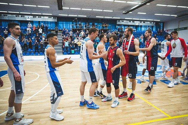 Zbasketbalového utkání otřetí místo Kooperativa NBL Kolín - Brno (90:89)
