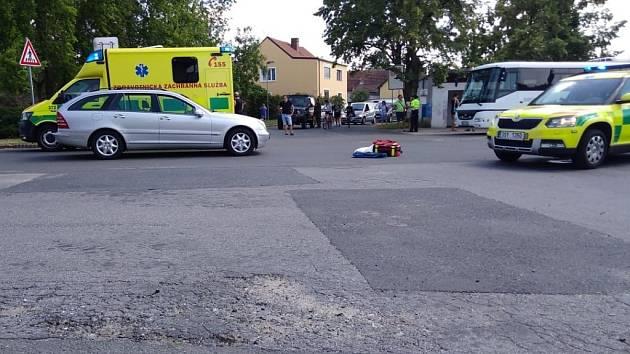 Dopravní nehoda v Býchorech: střet auta s dítětem.