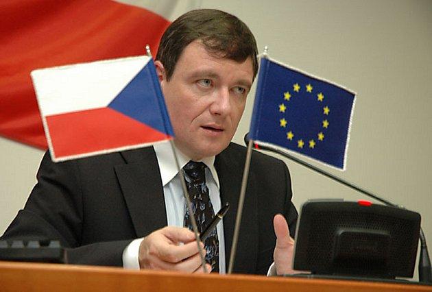 Na ustavujícím zasedání krajského zastupitelstva v povolebním složení byl hejtmanem Středočeského kraje zvolen David Rath z ČSSD