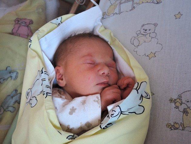 Natali Lepešková se narodila 12. října 2015 mamince Lucii a tatínkovi Markovi z Kolína. Po porodu se chlubila výškou 48 centimetrů a váhou 3070 gramů.