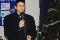 FARNÍ VIKÁŘ Martin Sklenář hovořil také na basketbalovém vánočním maratonu.