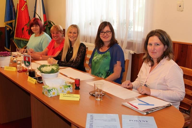 Volby do poslanecké sněmovny v Ovčárech na Kolínsku