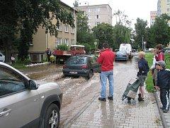 Vyplavená ulice Na Magistrále.