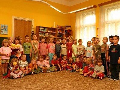 Děti ze školky ve Štítného ulici v Kolíně.