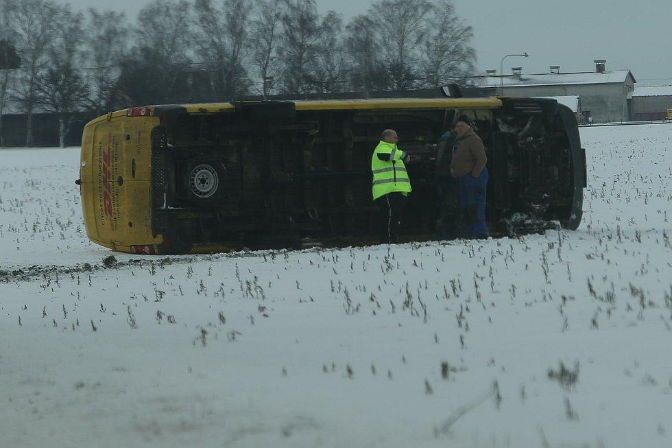 Nehoda mezi obcemi Chotouchov a Pučery ve čtvrtek 14. ledna.