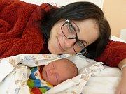 Nicol Kárová se narodila 15. února 2019, vážila 2285 g a měřila 45 cm. V Kolíně bude bydlet s maminkou Lenkou a tatínkem Pavlem.