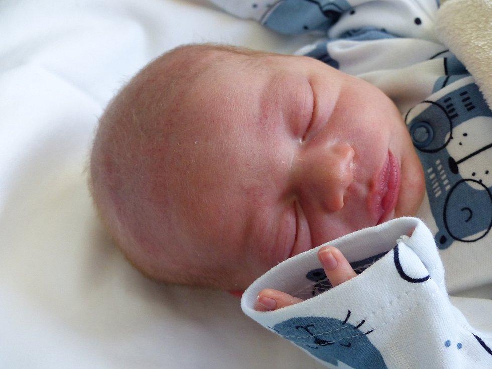 Jakub Pospíšil se narodil 23. září 2020 v kolínské porodnici, vážil 2910 g a měřil 51 cm. Do Libodřic odjel s bráškou Honzíkem (4) a rodiči Vendulou a Lubomírem.