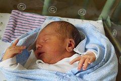 Michal Březina přišel na svět 14. srpna 2017, měřil  52 centimetrů  a vážil 3760 gramů. Svého prvorozeného syna si maminka Simona a tatínek Michael odvezli domů do Českého Brodu.