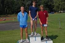 Běh na jednu míli se stal pro kolínské atlety medailovou žní. Druhý skončil Václav Škvor (vlevo) a třetí Zdeněk Hejduk.