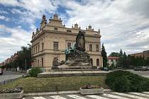Hlavní budova radnice v Českém Brodě.