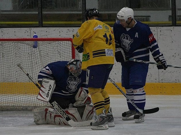 Z hokejového utkání druhé ligy Kolín - Milevsko