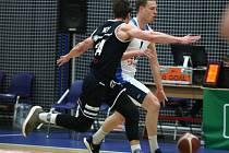 Z utkání 22. kola NBL BC Kolín - Děčín (100:84).