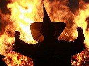 Pálení čarodějnic.