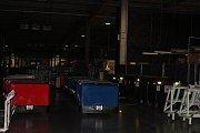 Automobilka TPCA má celozávodní dovolenou. V továrně se nyní upravují výrobní linky a stroje.