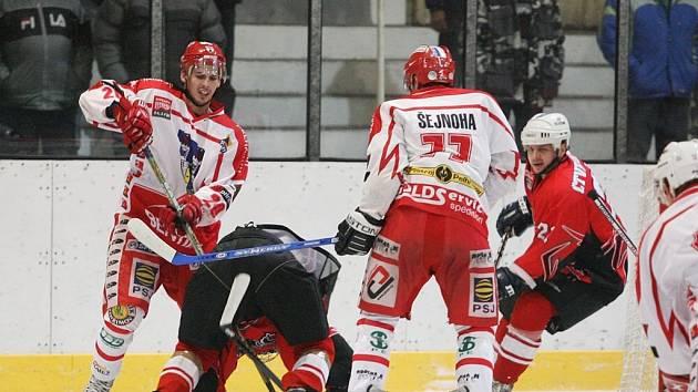 Z utkání druhé hokejové ligy Kolín - Pelřimov (6:6)