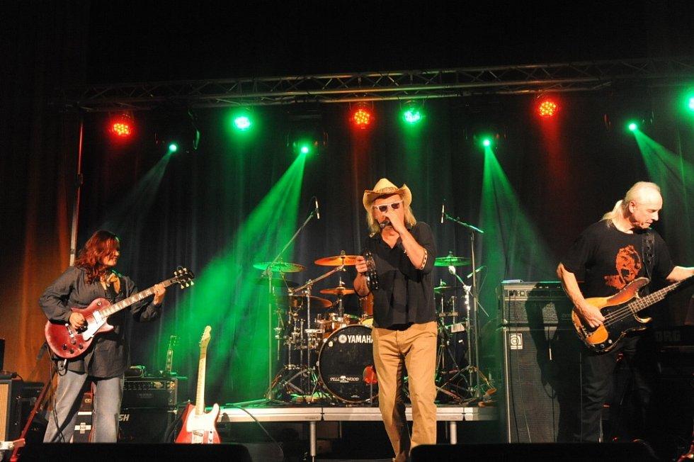 Kapela Žlutý pes svými hudebními kousky rozparádila fanoušky všech věkových kategorií.