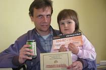 S vítězkou 12. kola Deniskou Löweovou si cenu převzal i její otec Miloš. Odnesli si pivo Staropramen i s originálním půllitrem, poukaz na pohoštění do restaurantu U Tří Mouřenínů za 300 Kč a dárkový sázkový certifikát za 100 Kč od Chance, a.s.