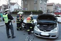Nehoda na křižovatce ulic Míru a Mikoláše Alše.