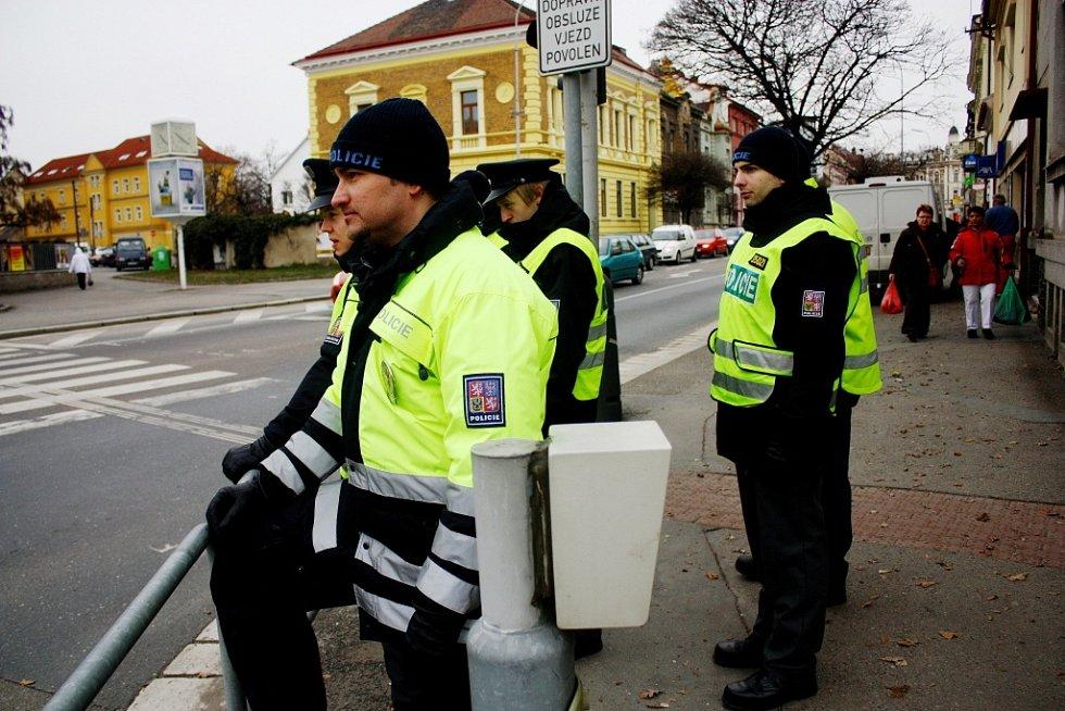 Mladí policisté řídili dopravu