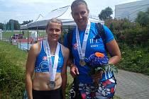 Šárka Buranská (vlevo) získala na republikovém šampionátu v Táboře stříbro, Kateřina Šafránková zlato.