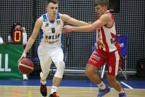 Z utkání 15. kola NBL Kolín - Pardubice (86:68).