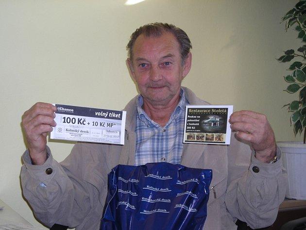 Jan Mašín si přišel do naší redakce vyzvednout dárkový sázkový certifikát Chance v hodnotě 100 korun a poukaz na pohoštění do restaurace Stoletá v hodnotě 300 korun.