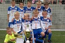 Fotbalová přípravka FK Kolín zakončila jarní část sezony skvělým úspěchem. Vyhrála mezinárodní turnaj na pražském Tempu.