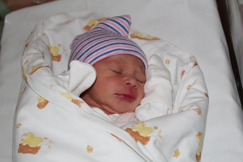 Linda Saad se poprvé rozplakala 14. září 2017 s váhou 2240 gramů a výškou 45 centimetrů. S rodiči Markétou a Khaledem a tříapůlletou Yasminkou bude žít ve Starém Kolíně.
