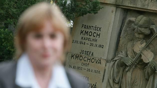 Hrob slavného Františka Kmocha na kolínském hřbitově