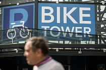 Ze slavnostního otevření cyklověže u nádraží v Kolíně.