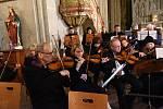 Z tradičního adventního setkání s Českou mší vánoční Jakuba Jana Ryby v podání Kolínské filharmonie se sólisty, sbory a dalším programem v chrámu sv. Bartoloměje v Kolíně.