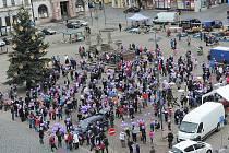 Z kolínského náměstí vzlétly k obloze balónky s přáními Ježiškovi