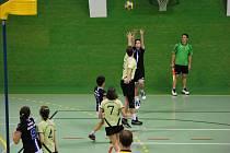 Z finálového utkání VKC Kolín - České Budějovice (17:21).