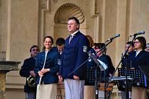 Těsně před koronavirovými opatřeními stihla ještě Městská hudba Františka Kmocha 17. září ve Valdštejnské zahradě u Senátu Parlamentu ČR krásný koncert.
