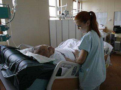 V českobrodské nemocnici by mělo od července zaniknout oddělení chirurgie a anesteziologicko–resuscitační oddělení.
