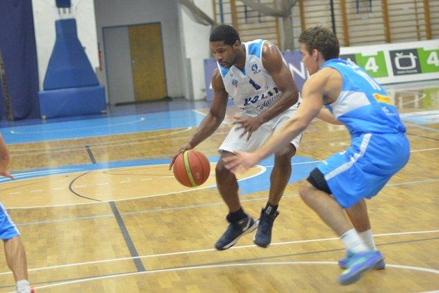 Z utkání BC Farfallino Kolín - Prostějov (55:78).